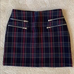 Forever 21 Plaid Skirt with Zip Detail — Small